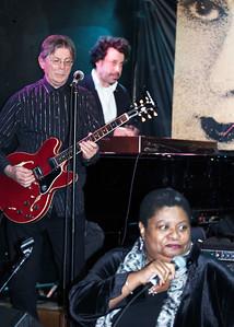 Deitra Farr with (l-r) Billy Flynn and Johnny Iguana