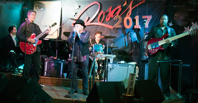 The Matthew Skoller Band (l-r) Johnny Iguana, Billy Flynn, Matthew Skoller, Marc Wilson and Felton Crews