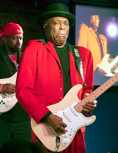 1.24.16 | Buddy Guy (Ric Jaz in background)  in Residence @ Legends