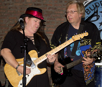 Low-reen & The Maxwell St. Market Blues Band