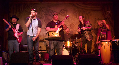 6.8.16 @ Fitzgeralds: (l-r) Tom Holland, Michael Ledbetter, Nick Moss, Adam Hagerman, Dennis Gruenling and Patrick Recob