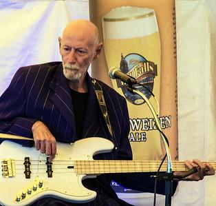 SIDE STAGE: Robert Allen Jr. Band