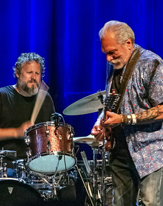 Justin Guip (l) and Jorma Kaukonen | Hot Tuna Electric