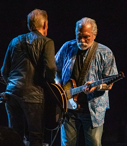Jack Casady (l) and Jorma Kaukonen | Hot Tuna Electric