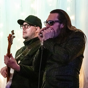 Dennis Gruenling (r) with unidentified bass player