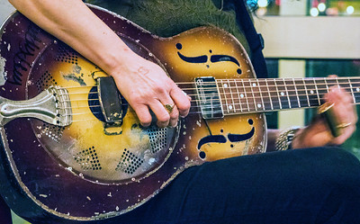 Donna's Resonator Guitar
