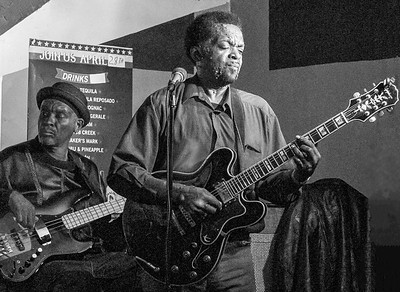Glenn Gatewood (l) with Tony Brown | Low-reen and the Maxwell St. Market Blues Band