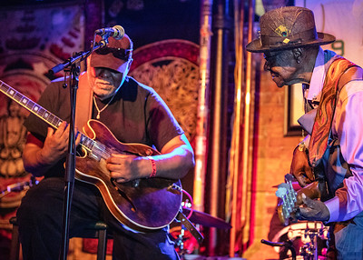 Carlos Johnson (l) and Bob Stroger
