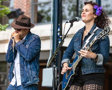 Matt Prozialeck (l) and Erin Harpe   Erin Harpe & The Delta Swingers