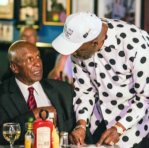 Buddy Guy (r) chats with Jesse White