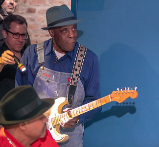 Buddy Guy gets ready to take the stage