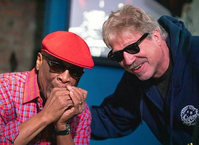 Harmonica Hinds (l) and Bob-O