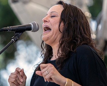 Jennifer Crivellone    Two for the Blues