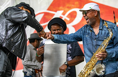 xxxxxx | band nameSugar Blue with washboard player and sax player (Terrance Simien and the Zydeco Experience) | Budweiser Crossroads Stage