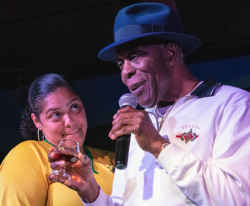 Buddy Guy gets his favorite drink