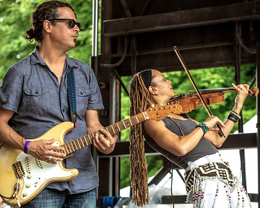 Dave Herrero and Anne Harris (Dave Herrero Band) | Budweiser Crossroads Stage