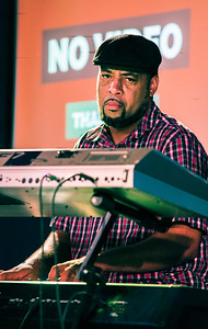 Keyboard player (Kenny Neal)