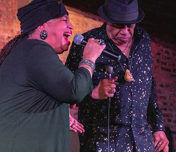 Mae Koen (l) with Billy Branch