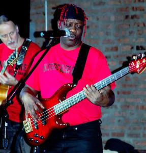 The No Static Blues Band - (l-r) Illinois Slim and Jeff LeBon