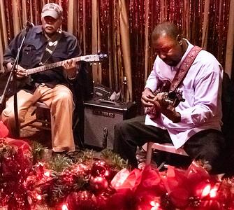 Jimmy Burns (l) and Eddie Taylor Jr.