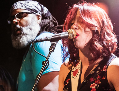 Alvin Youngblood Hart and Danielle Nicole