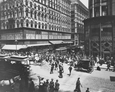 Cable cars, electric trolleys, hansom cabs, electric automobiles, and pedestrians share the corner of State and Madison, around 1905.    http://encyclopedia.chicagohistory.org/pages/3280.html