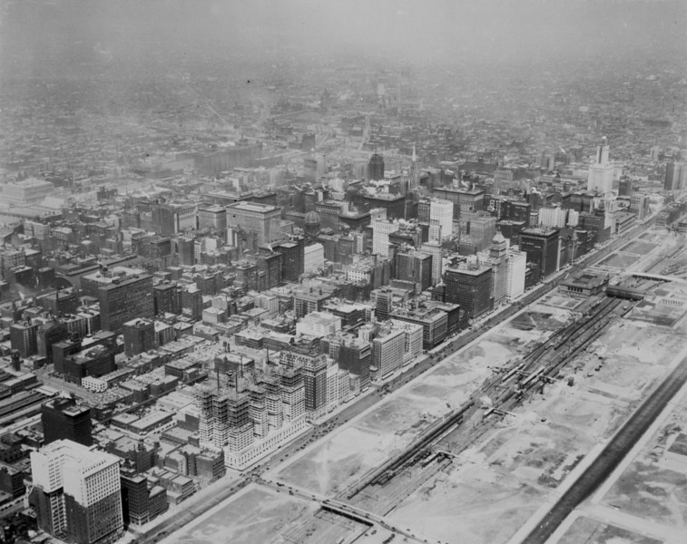 Photographer: Chicago Aerial Survey Co. Source: Chicago Historical Society (ICHi-05798)   http://encyclopedia.chicagohistory.org/pages/10645.html