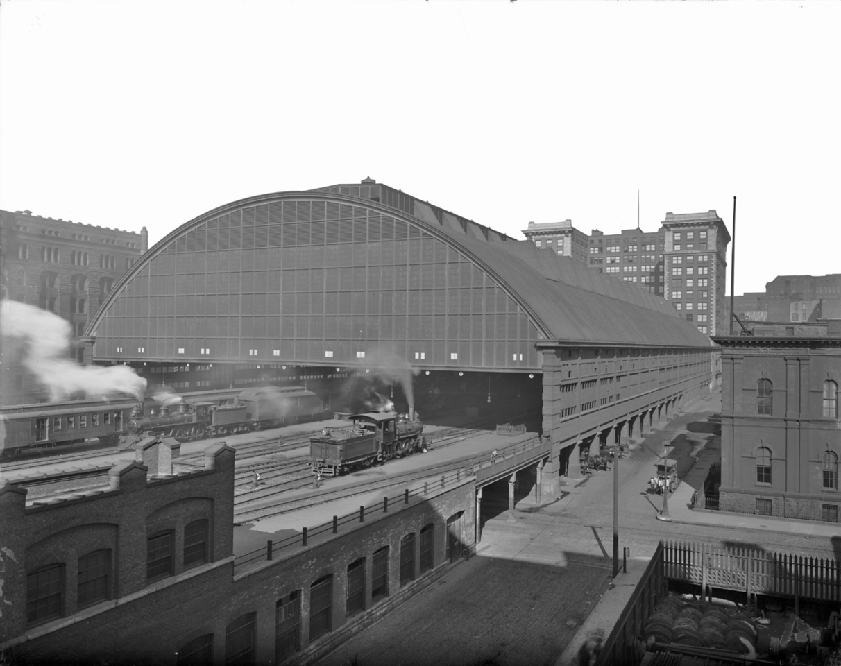 LaSalle St. Station, c.1904-1913  Photographer: Barnes-Crosby Source: Chicago Historical Society (ICHi-19134)   http://encyclopedia.chicagohistory.org/pages/10596.html