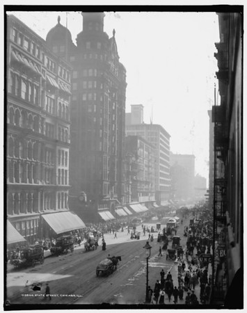 Title: State Street, Chicago, Ill. Related Names:    Detroit Publishing Co. , copyright claimant    Detroit Publishing Co. , publisher Date Created/Published: c1905.   http://www.loc.gov/pictures/item/det1994011455/PP/