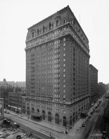 They just don't make buildings like they used to...  Title: La Salle Hotel, Chicago, Ill.. Related Names:    Detroit Publishing Co. , copyright claimant    Detroit Publishing Co. , publisher Date Created/Published: c[between 1910 and 1920]   http://www.loc.gov/pictures/item/det1994021598/PP/