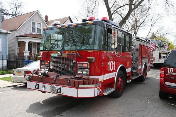 Chicago Fire Department : Still Alarm 6425 S Laflin 4/29/13