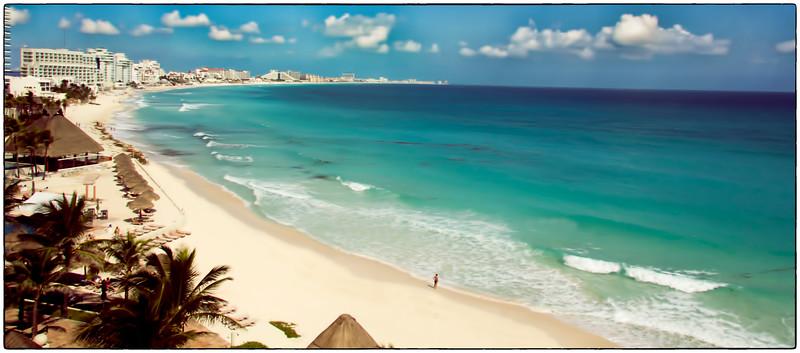 Mandy on the Beach, Cancun