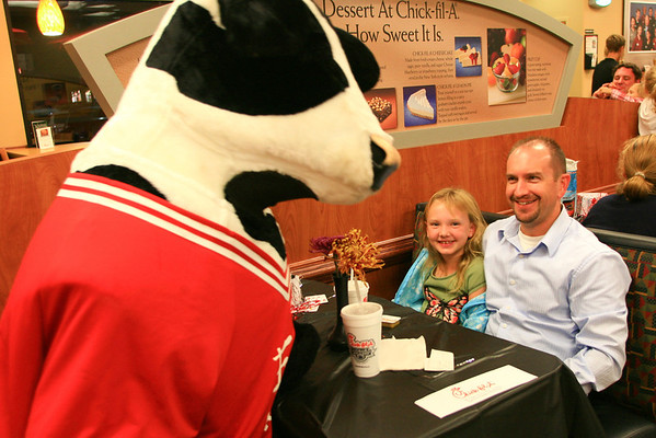 Chick-Fil-A Mira Mesa :: Magical (Daddy & Daughter) Date Night ~ Nov 2011