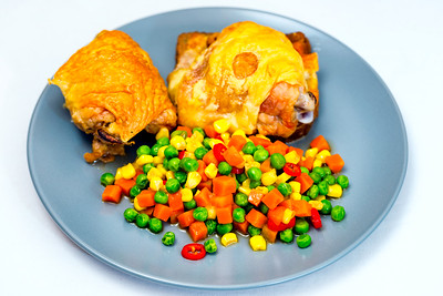 Chicken thigh with vegetables