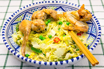 Chicken wings with spicy cabbage
