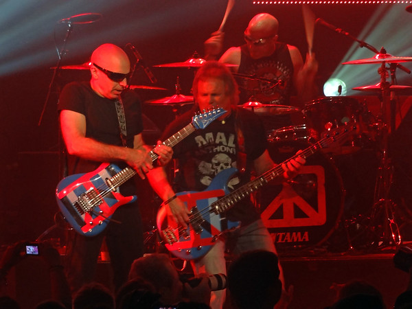 Chickenfoot 2012 * click to view gallery