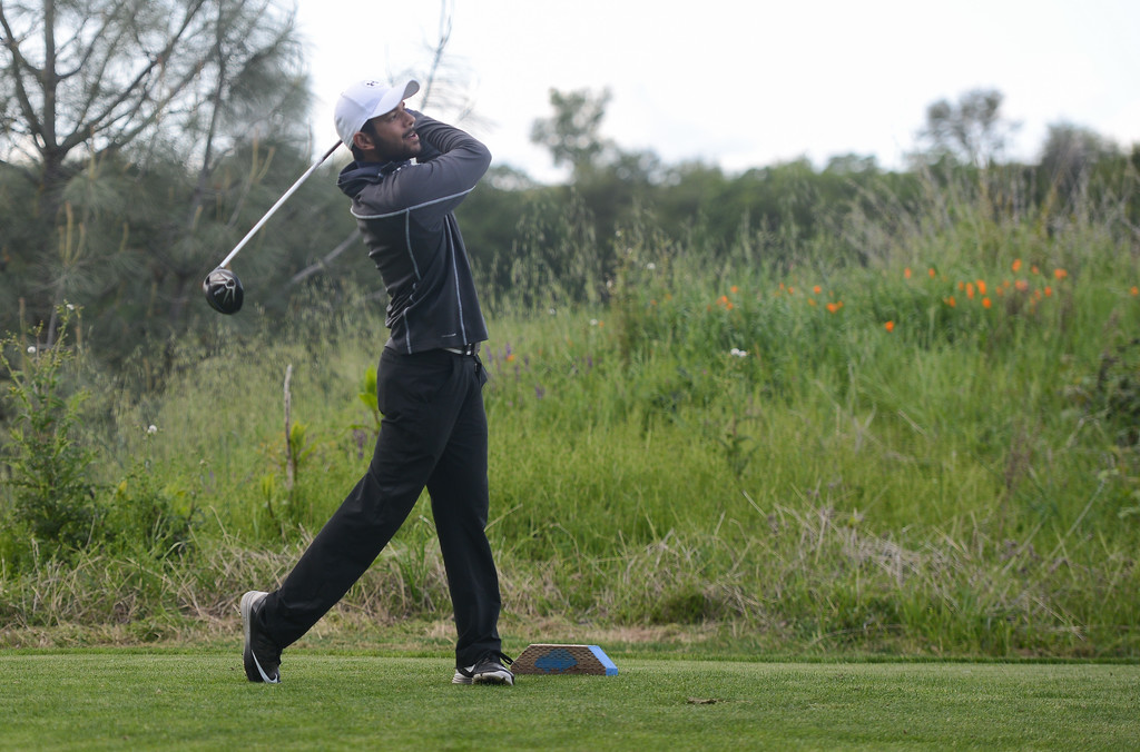 . Pleasant Valley High\'s Ronak Singh golfs, April 12, 2018, in Chico, California. (Carin Dorghalli -- Enterprise-Record)