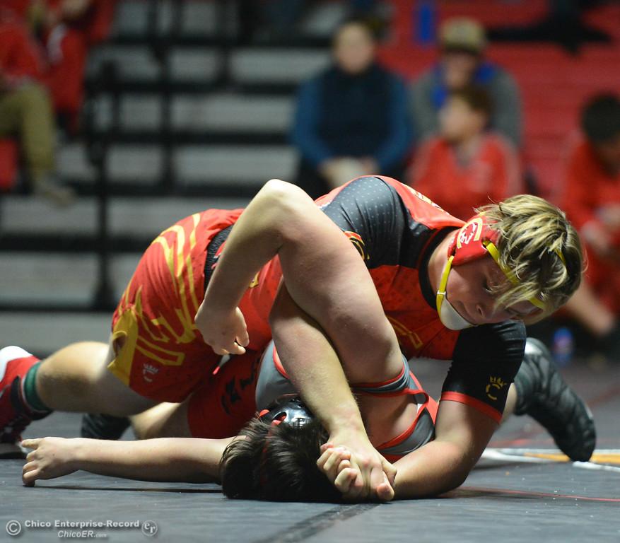 . Chico\'s Ben Allen wrestles Corning\'s Jarred Darrow in the 220 weight class Wednesday November 29, 2017 in Corning, California. (Emily Bertolino -- Enterprise-Record)