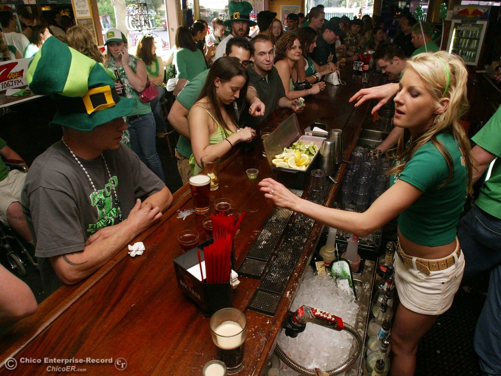 . Saint Patricks Day- This is the Normal Street Bar busy with patrons as bartender Kelly Swickard rushes to servr customers. ty news 03/17/05. This is to go with Greggs story.