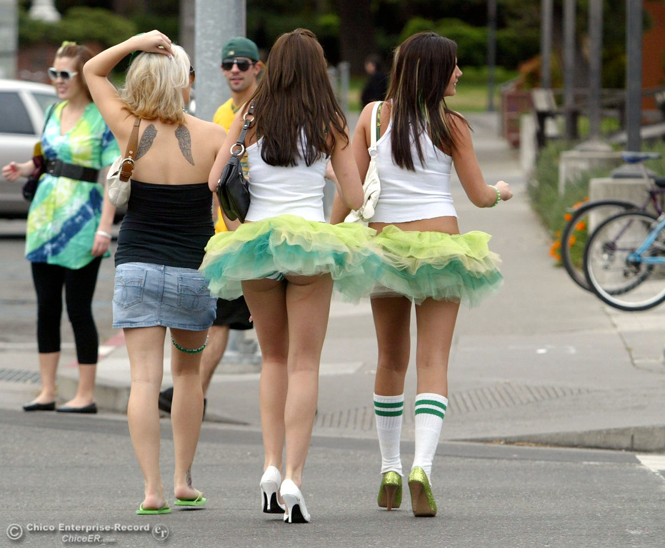 . Chicoans take to the streets of Downtown Chico for St. Patrick\'s Day celebrations Tuesday, March 17, 2009 in Chico, CA. 