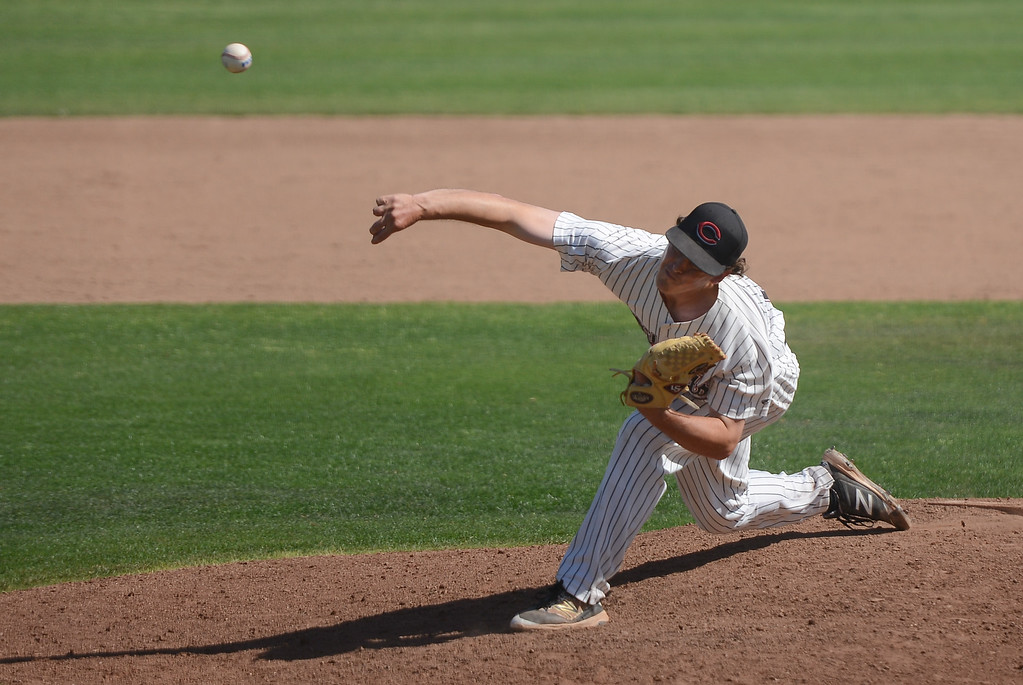 . Chico State\'s Andrew Schantz pitches the ball, May 4, 2018,  in Chico, California. (Carin Dorghalli -- Enterprise-Record)