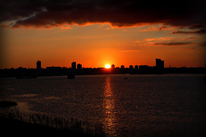 Sun sets over Woolwich