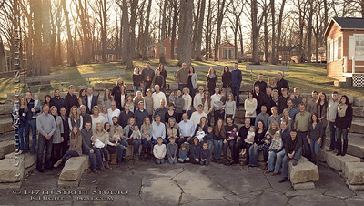 Family Reunion in Okoboji - Large Group Photo - Spirit Lake Iowa Photographer