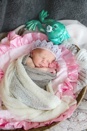 Infant and Newborn Photos -  Spirit Lake Iowa Photographer