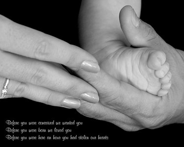 9990-peyton foot mom&dad B&W 10x8 Quote1