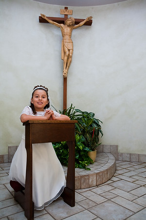 050110 - Daisy Ibarra - First Communion