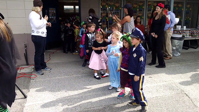 kindergarten halloween parade