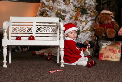 Addie_2012_Christmas040