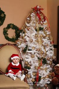 Addie_2012_Christmas008