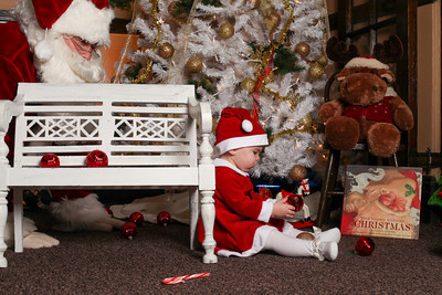 Addie_2012_Christmas042